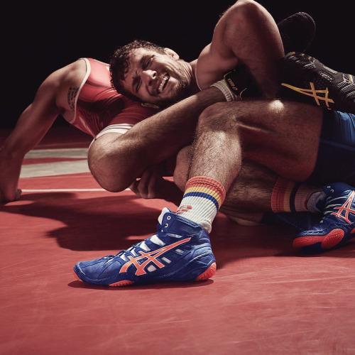 Amateur Wrestling News 54